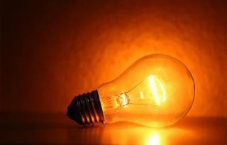 電球の選び方はどうすればいい?ワット数や種類について
