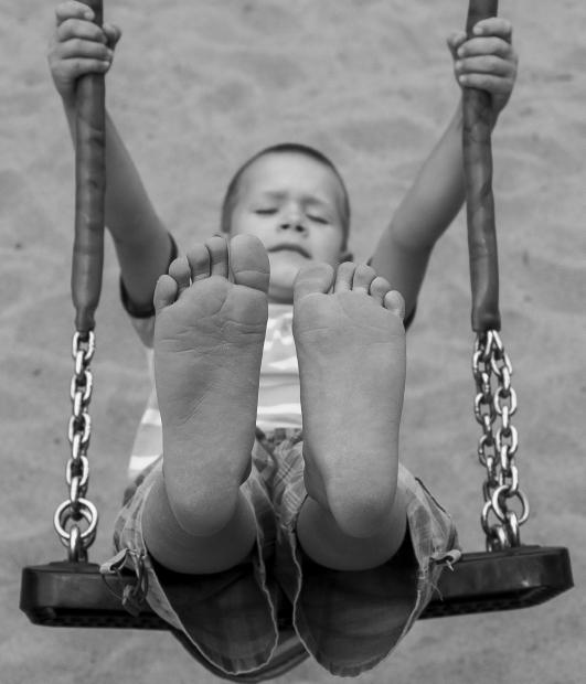 土踏まずが痛い原因は?右足、左足の違いや対処法!